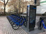 <p>Build up your confidence and tackle the Big Apple by bike with these great tips.</p>
